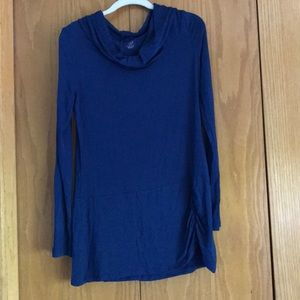 Gaiam size M blue hooded top NWOT